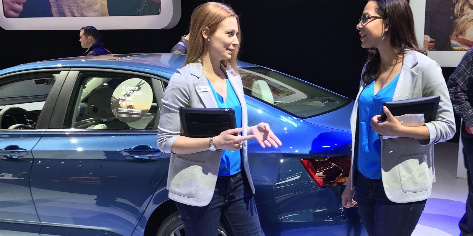 Araba Fuarlarındaki Modeller Niçin Hep Kadın?
